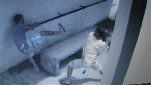 Vídeo mostra preso espancando colega de cela dentro da Penitenciária Regional de Linhares
