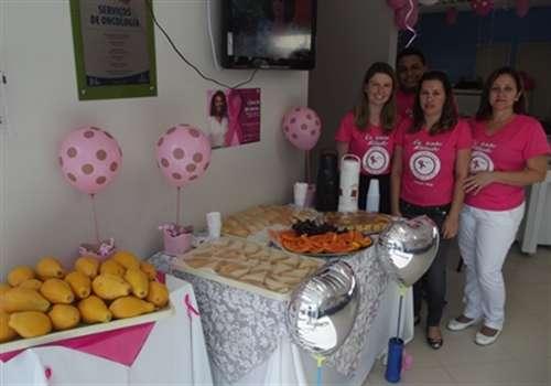 Hospital aproveita o Outubro Rosa e desenvolve atividades com pacientes de Linhares e outros municípios
