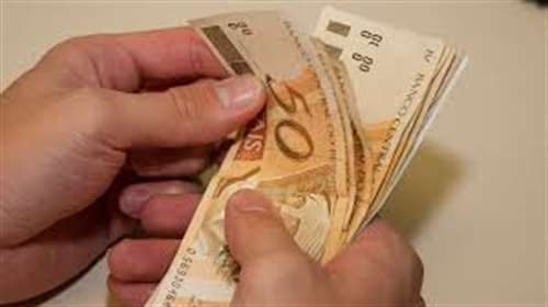 Servidores Públicos de Linhares recebem salário antes do Carnaval