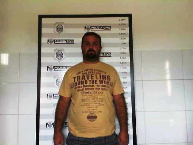 """Estelionatário é preso pela Polícia Civil após aplicar golpe da """"moto"""" e usar talões de cheques falsos"""
