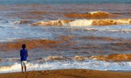 Alerta: nova onda de lama pode atingir o Rio Doce e o litoral do ES