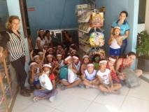 Estudantes de Ceim do bairro Canivete arrecadam doações para crianças atendidas em orfanato