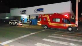 Jovem de 19 anos leva tiro no pescoço no bairro Santa Cruz