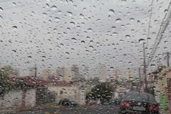 Tempo: chuva e risco de temporais durante o fim de semana