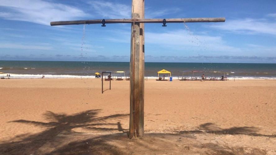 Praia de Pontal do Ipiranga ganha chuveiros na segunda e terceira avenidas
